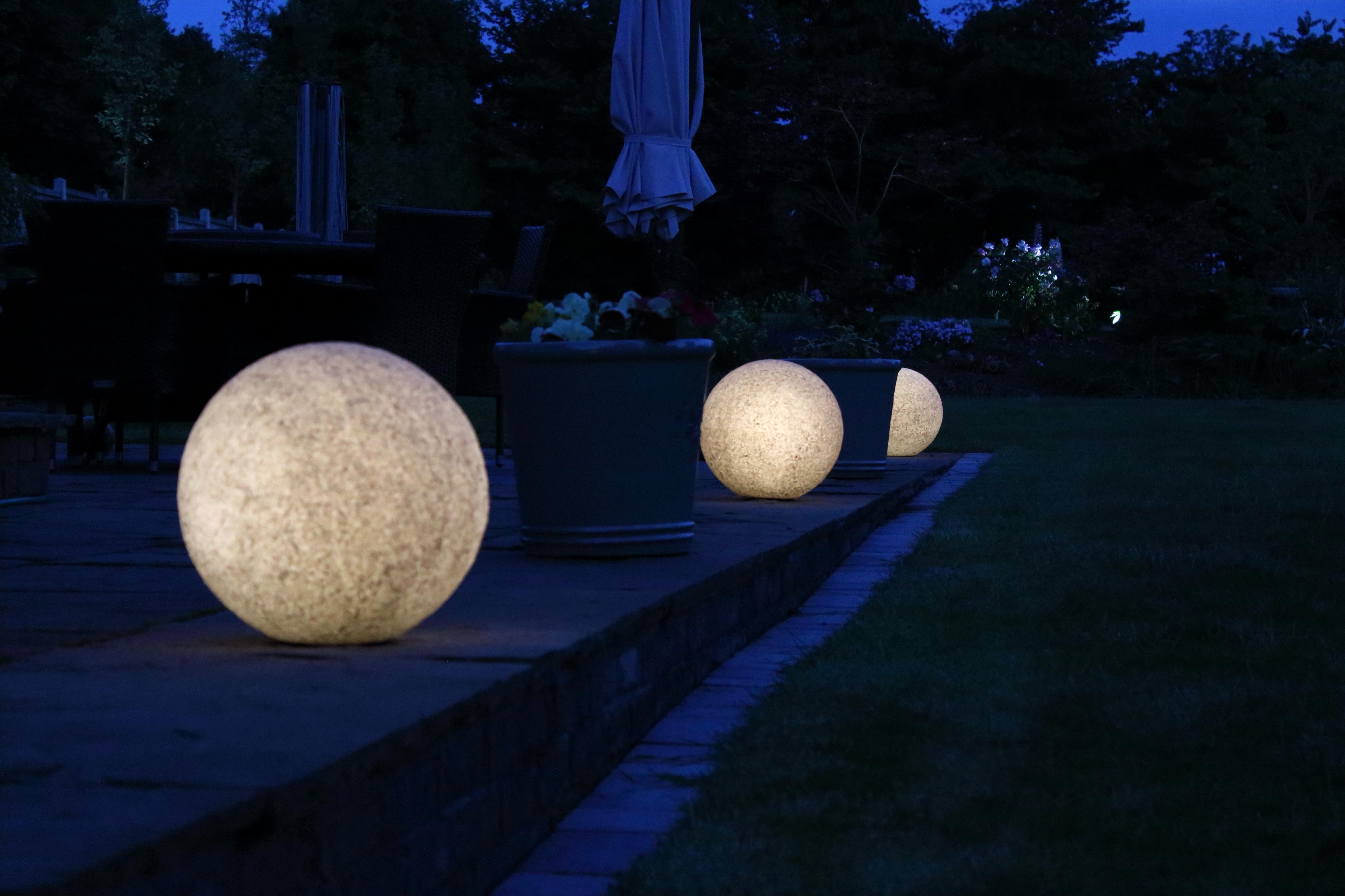 Garden Balls Lit